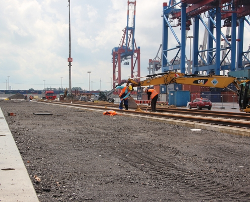 container terminal 1002