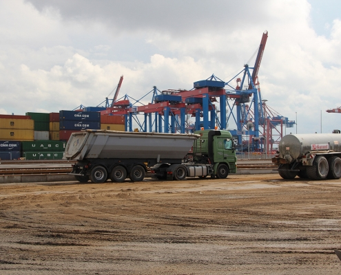 container terminal 1023