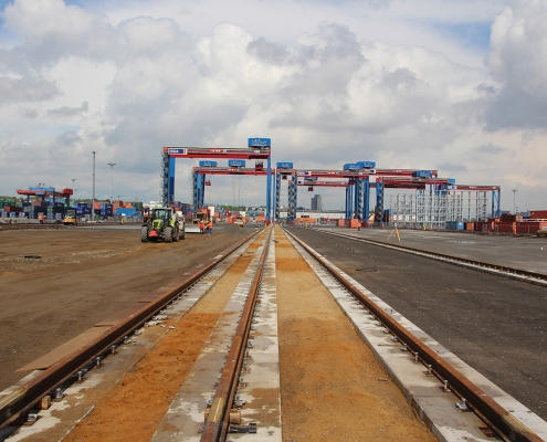 container terminal 1130